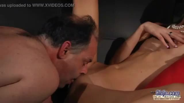Kinky blonde likes to get fucked and to suck cock