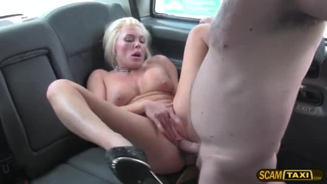 Young housewife aaliyah gives the driver a very hot special tip