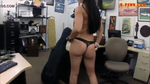 Sexy amateur pawns her instrument and vagina for money