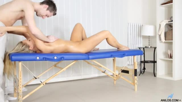Nicki blue is worming joey brass up with a blowjob